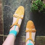 ANTIPAST アンティパストの靴下で大人かわいく。おすすめのコーデは?