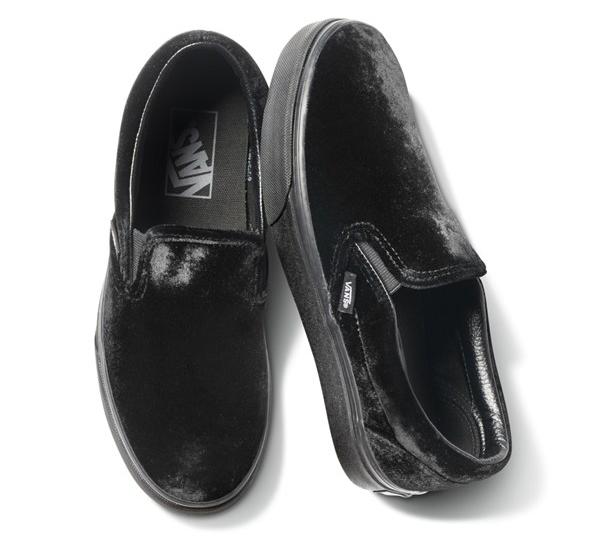 CLASSIC SLIP-ON 17WI (VELVET)BLACK