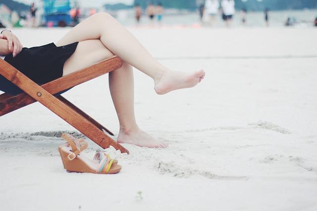 ビーチ素足