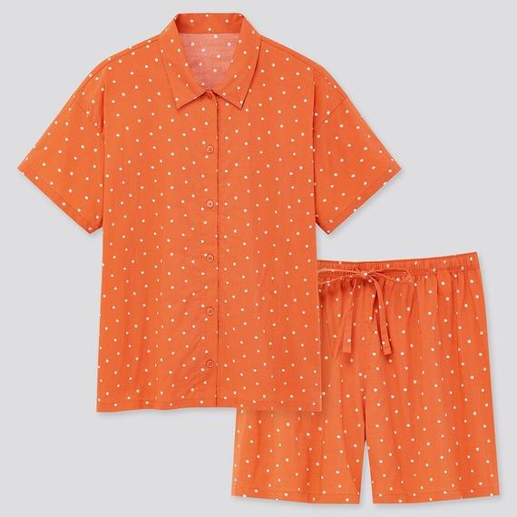 ユニクロ ソフトストレッチパジャマ(ドット・半袖)